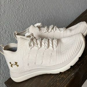 Under Armour Slingflex White and Gold Knit Sneaker